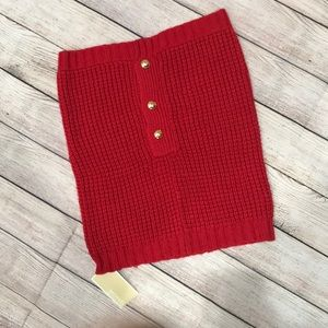🎁 NWT Michael Kors red scarf with gold buttons.
